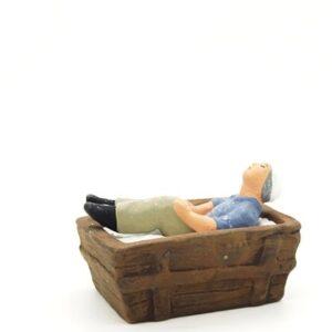 santon de provence peint à la main boulanger endormi dans le pétrin