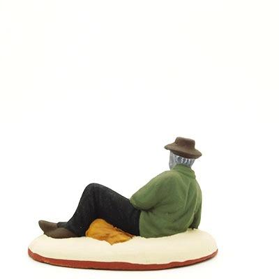 Santons peints Berger couché dos