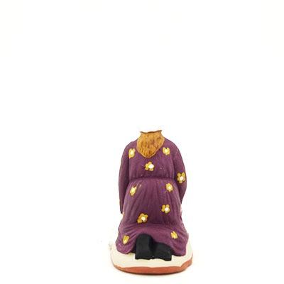santon de provence peint à la main lavandière accroupi dos