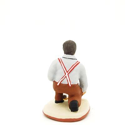 santon de provence peint à la main bouliste accroupi dos