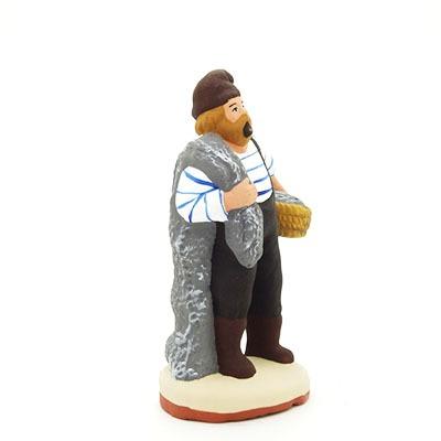 santon de provence peint à la main pecheur debout filet profil