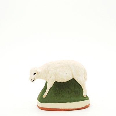 santon de Provence peint à la main mouton debout profil