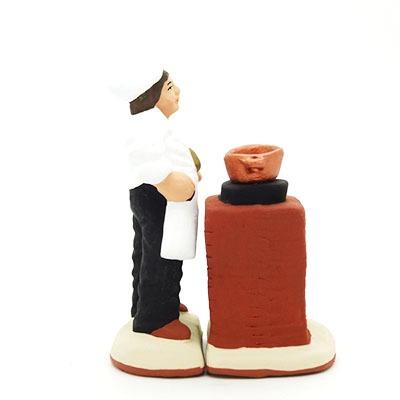 santon de Provence cuisinier ambulant peint a la main profil