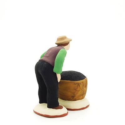 santon de provence ramasseur d'olives et son sac peint à la main profil