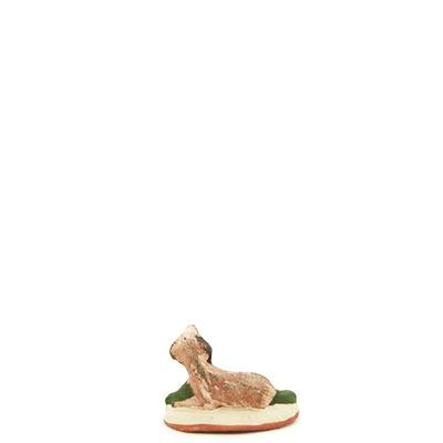 santon de provence peint a la main chien couché dos