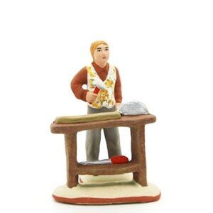 santon de provence le charpentier et son etabli peint à la main