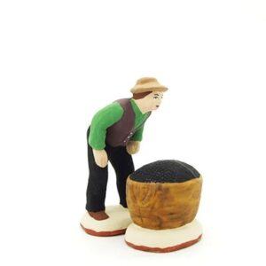 santon de provence ramasseur d'olives et son sac peint à la main
