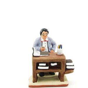 Ecrivain assis à son pupitre peint à la main santon de provence